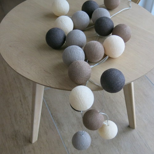 cotton ball lights 20 er lichterkette braun creme taupe. Black Bedroom Furniture Sets. Home Design Ideas