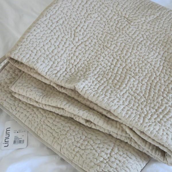 Linum Tagesdecke Quilt 270 x 260 cm Bett Überwurf taupe linen weiß